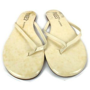 TKEES Cream Essential Thong Sandal. Size: 9.5